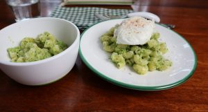 healthy pasta dinner recipe with broccoli pesto